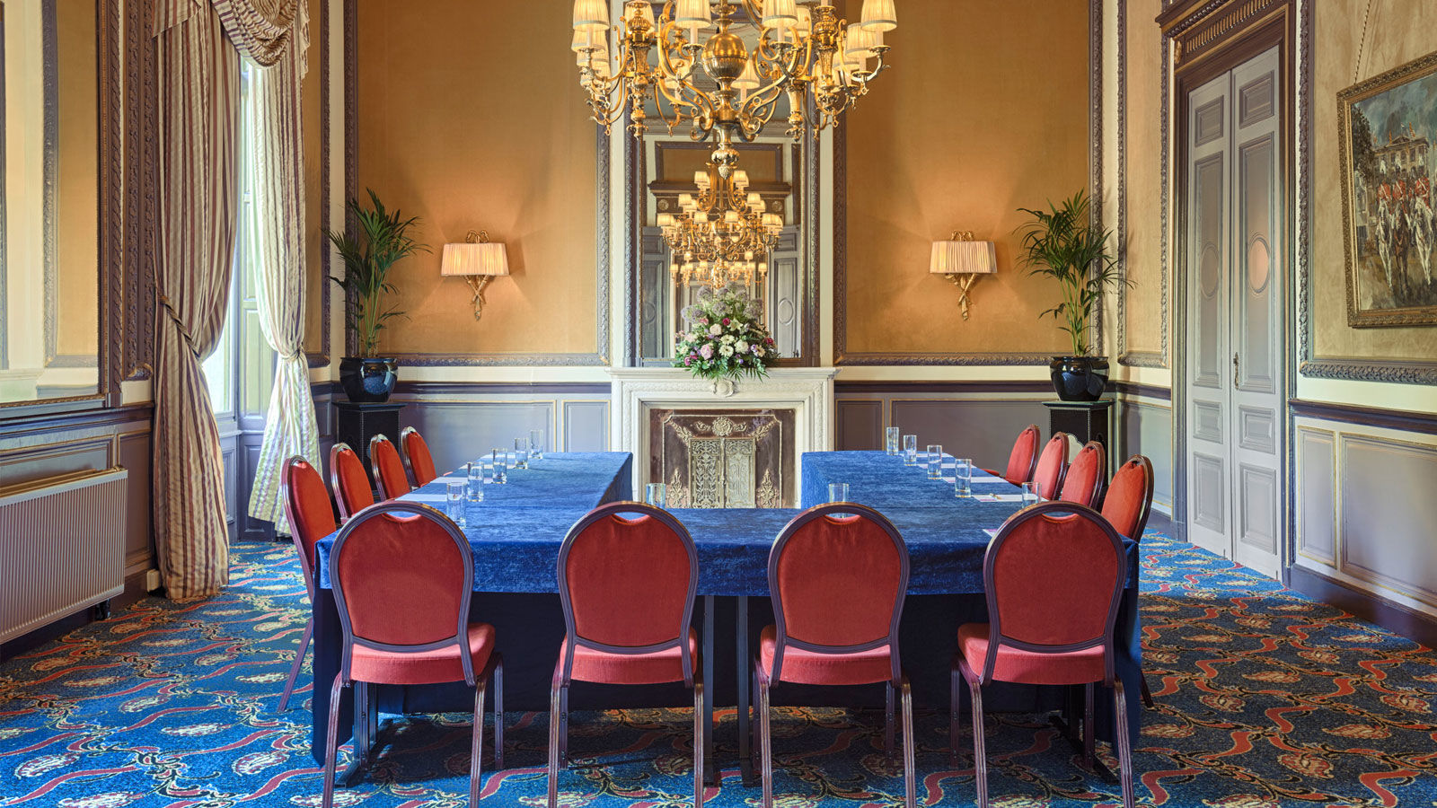 Hotel des indes meeting room