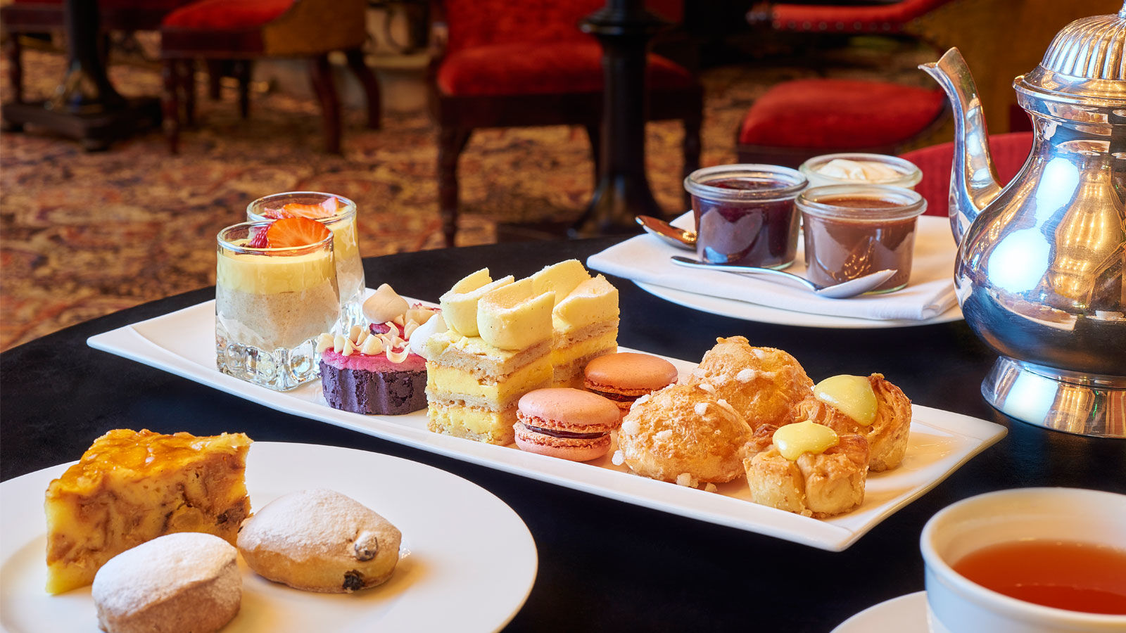 Hotel Des Indes High Tea